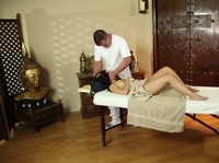 Asian massage gets very naughty