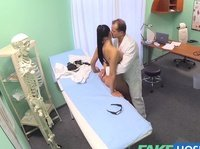 Fake doctor makes an ultimate pussy inspection