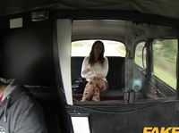 Chubby passenger finds out taxi driver's secret