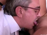 Literature teacher licks a young clit