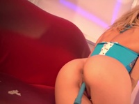 Steaming blonde gets even hotter with this toy inside her