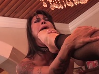 Kinky lesbian milf suck on her girlfriend's feet