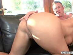 Chubby Housewife Like Fingers Up Her Ass