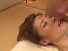Japanese girl takes a dick like a real geisha