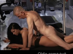 Teen slut spreads her legs for her sugar daddy